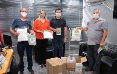 Sindicato dos Servidores de Suzano realiza doação de máscaras e álcool em gel à prefeitura