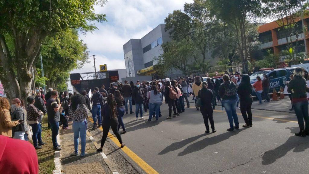 Sindicato dos Servidores Municipais de Itaquaquecetuba vai às ruas contra o corte de salários